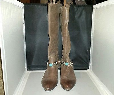 Preowned Nicole Audacious Boots In Chocolate Size 8