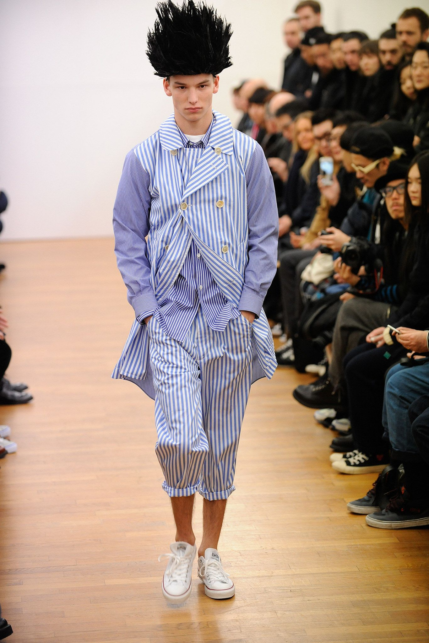 ba301b31abdfd2 Comme des Garçons Shirt Fall 2015 Menswear Collection Photos - Vogue