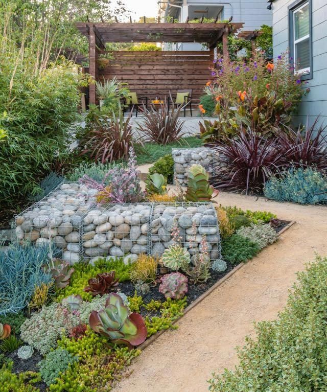 The Diagonal Lines In This Side Yard Design Break Up The