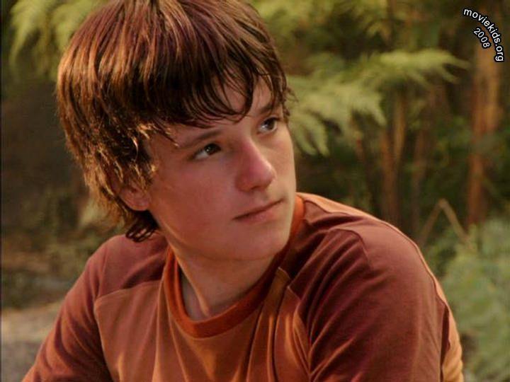 Pin By Mallory Wickam On Oh My Josh Josh Hutcherson Actors Alexander Ludwig