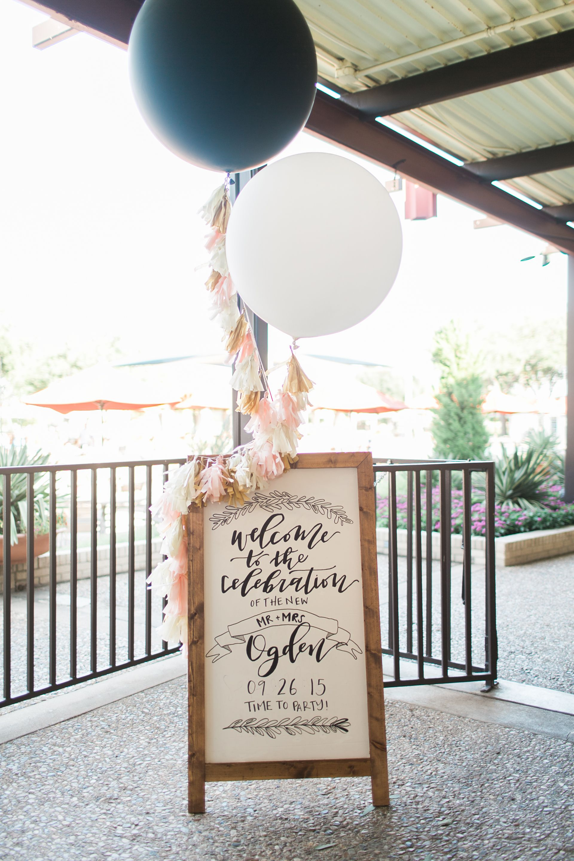 Wedding reception entrance decor - Black And White Giant Balloons Wedding Welcome Sign Display
