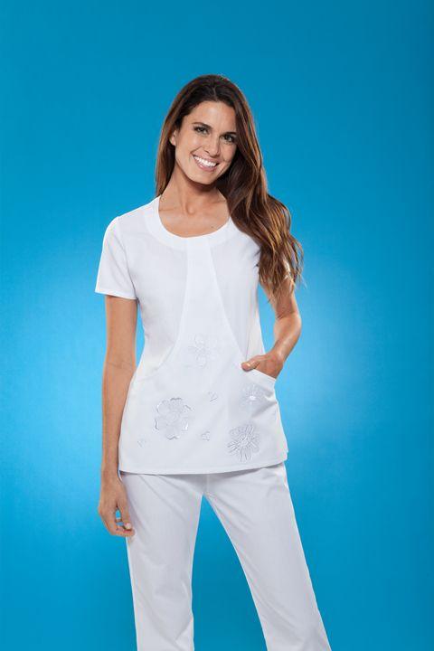 6d9ff2d59  Cherokee  Scrubs  Uniforms  Fashion  Style  Nurse  Medical  Apparel. Encuentra  este Pin y muchos ...