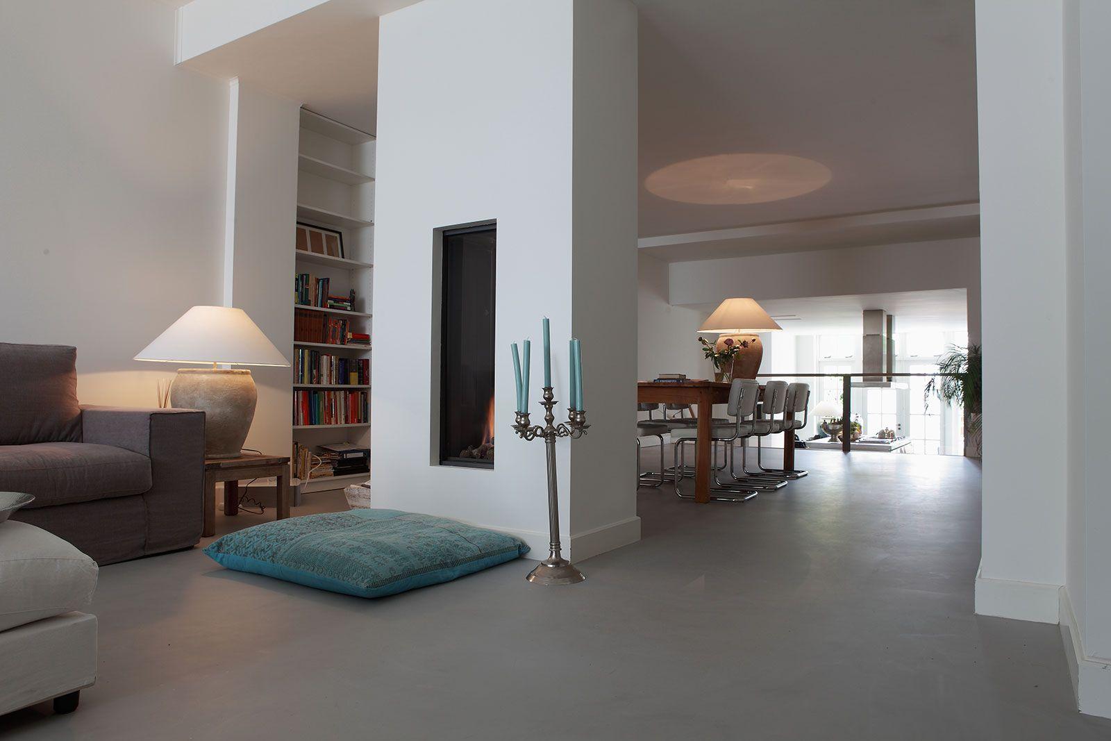 Exclusieve Gietvloer Woonkamer : Gietvloer woonkeuken in 2019 wonen interieur showrooms en huiskamer