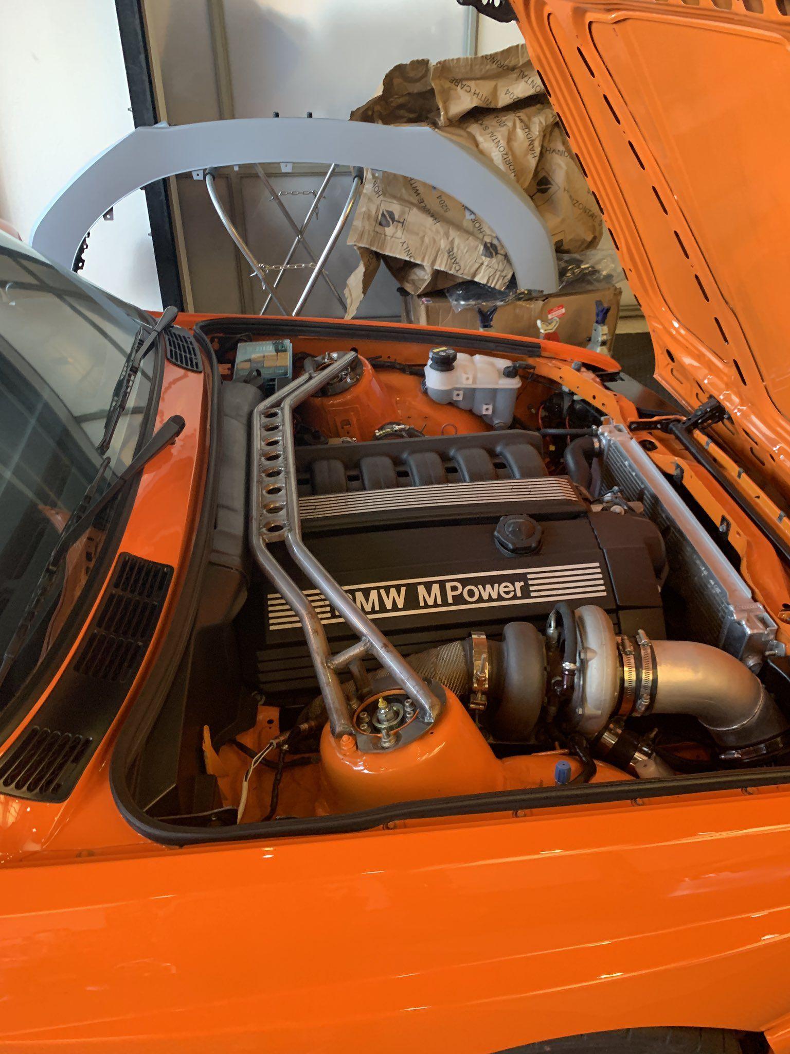 This E30 Engine Bay S52 Swapped With Images E30 Bmw E30 Bmw