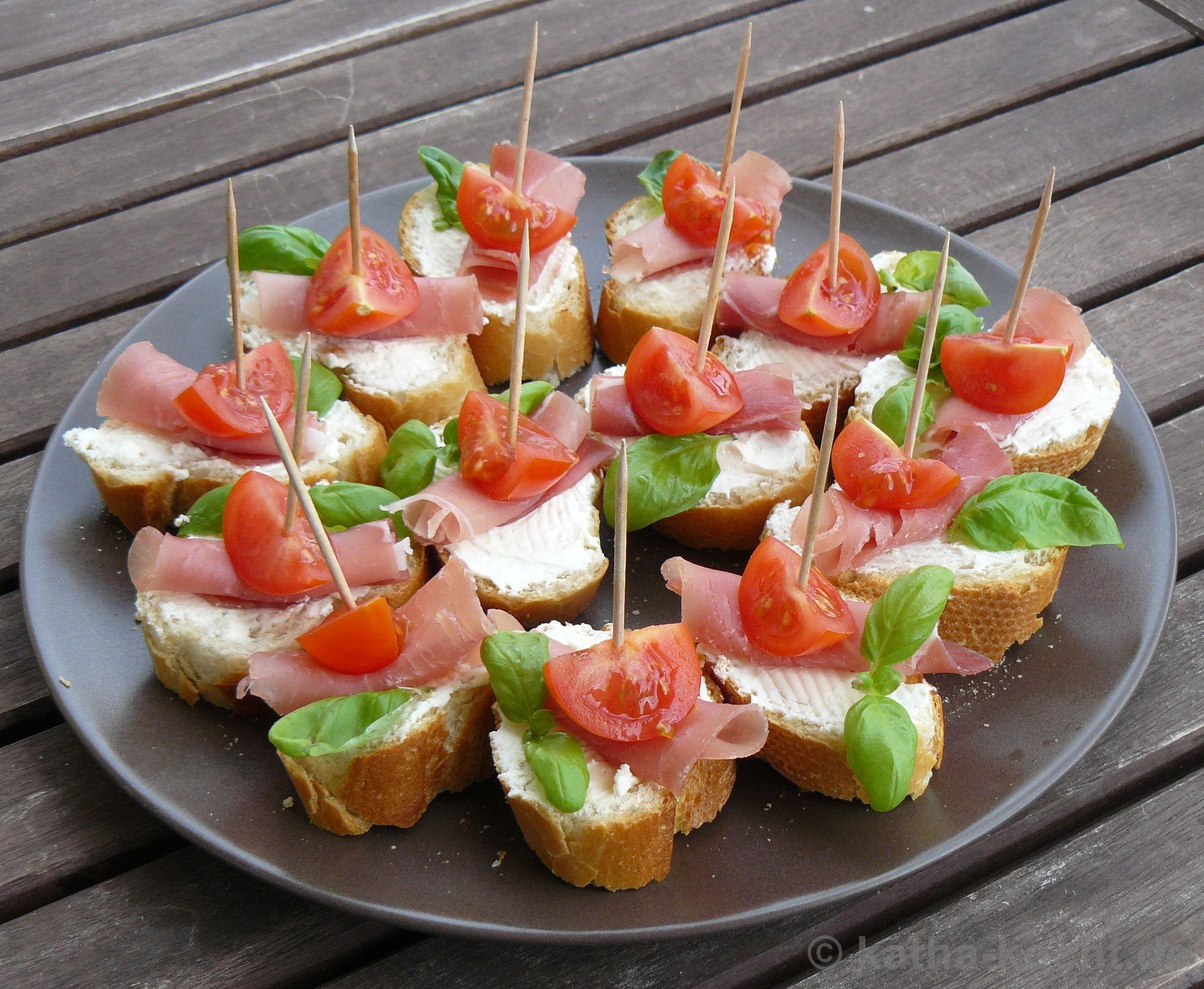 tapas tomaten parmaschinken schnittchen snacks pinterest tapas snacks and buffet. Black Bedroom Furniture Sets. Home Design Ideas