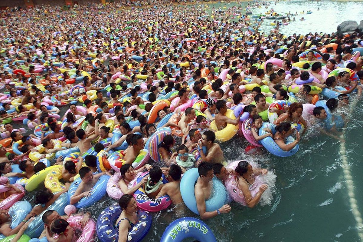 That's a lot of people! People cool down in a swimming