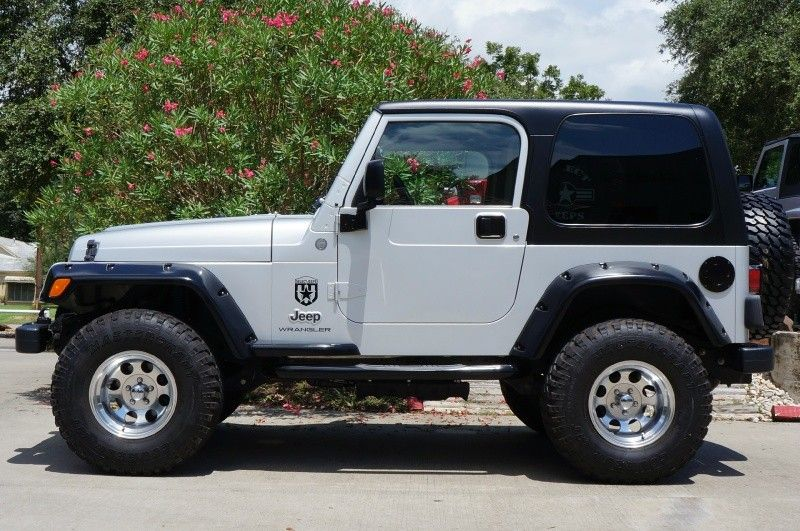 2004 bright silver metallic clearcoat jeep wrangler 2dr x. Black Bedroom Furniture Sets. Home Design Ideas