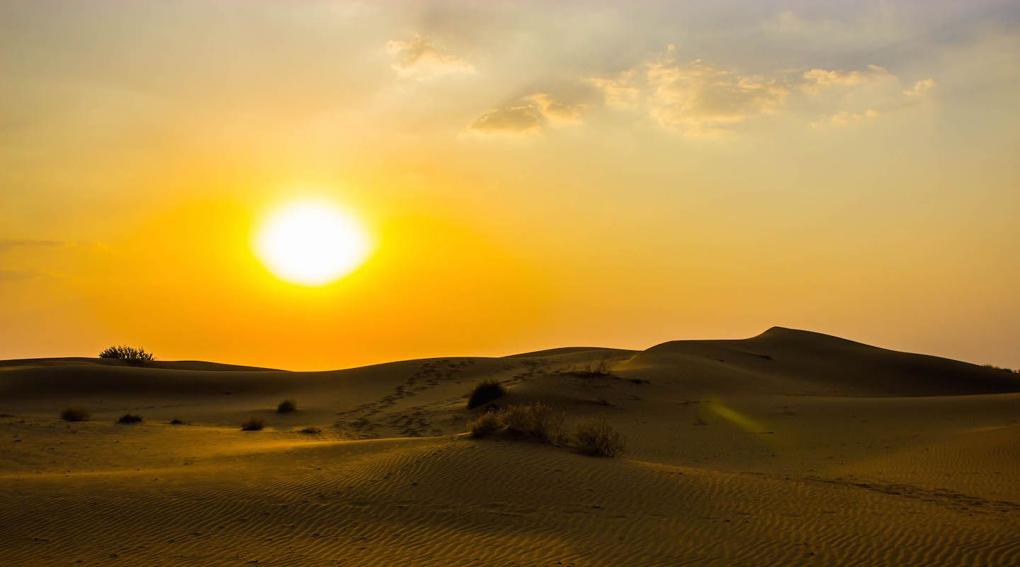 The Sun Rising And Heating The Cold Sands Of The Desert A Moment To Truly Cherish India 1440 801 Sky Photo Cute Place Sun Rising