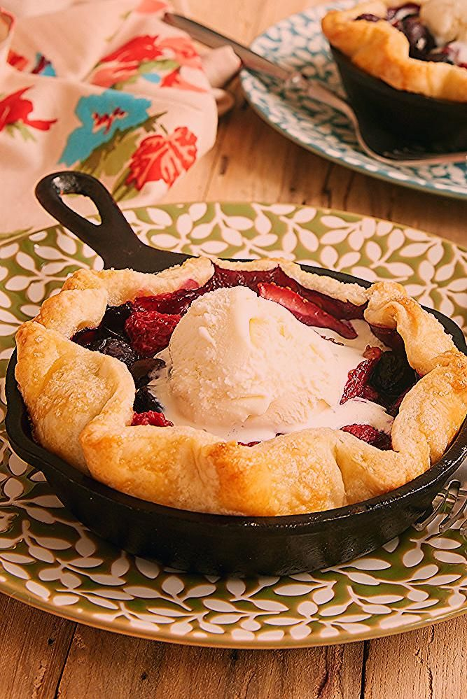 Photo of Mini Skillet Mixed Berry Pies