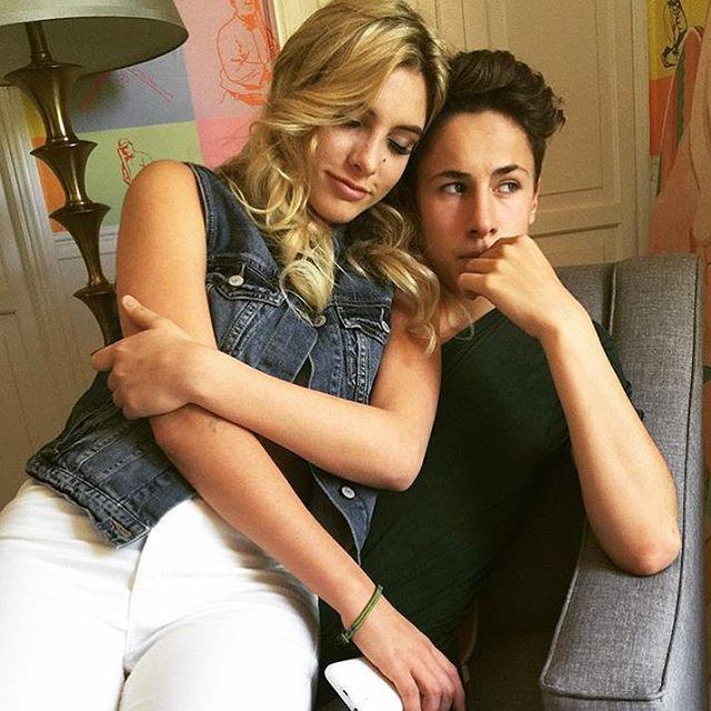 Stop eating your nails @eljuanpazurita | Cute couples, Cute couples goals, Cute couple pictures