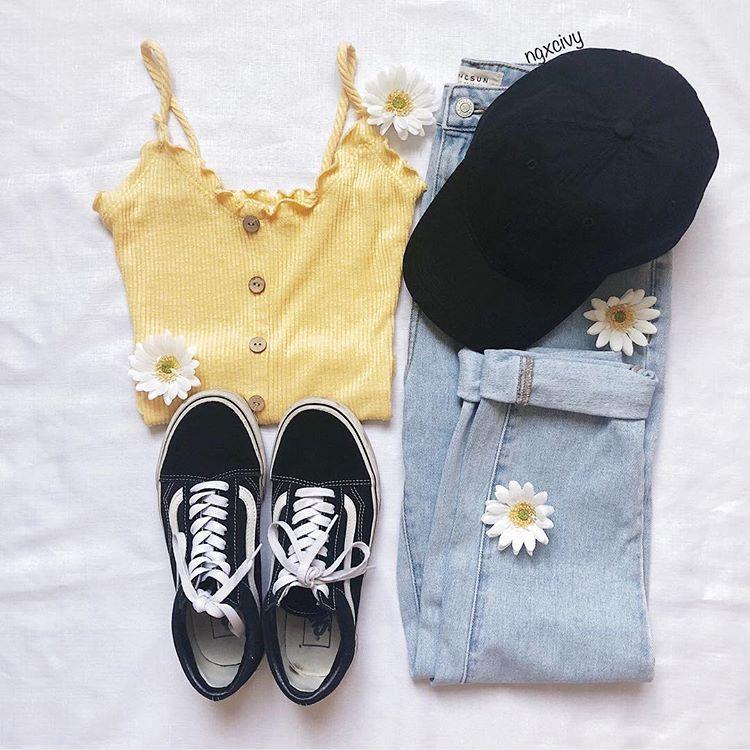 ανακαλύφθηκε από PLEASE HOLD ON  Ανακάλυψε (και αποθήκευσε!) τις δικές σου εικόνες και βίντεο στο We Heart It is part of Summer fashion outfits -