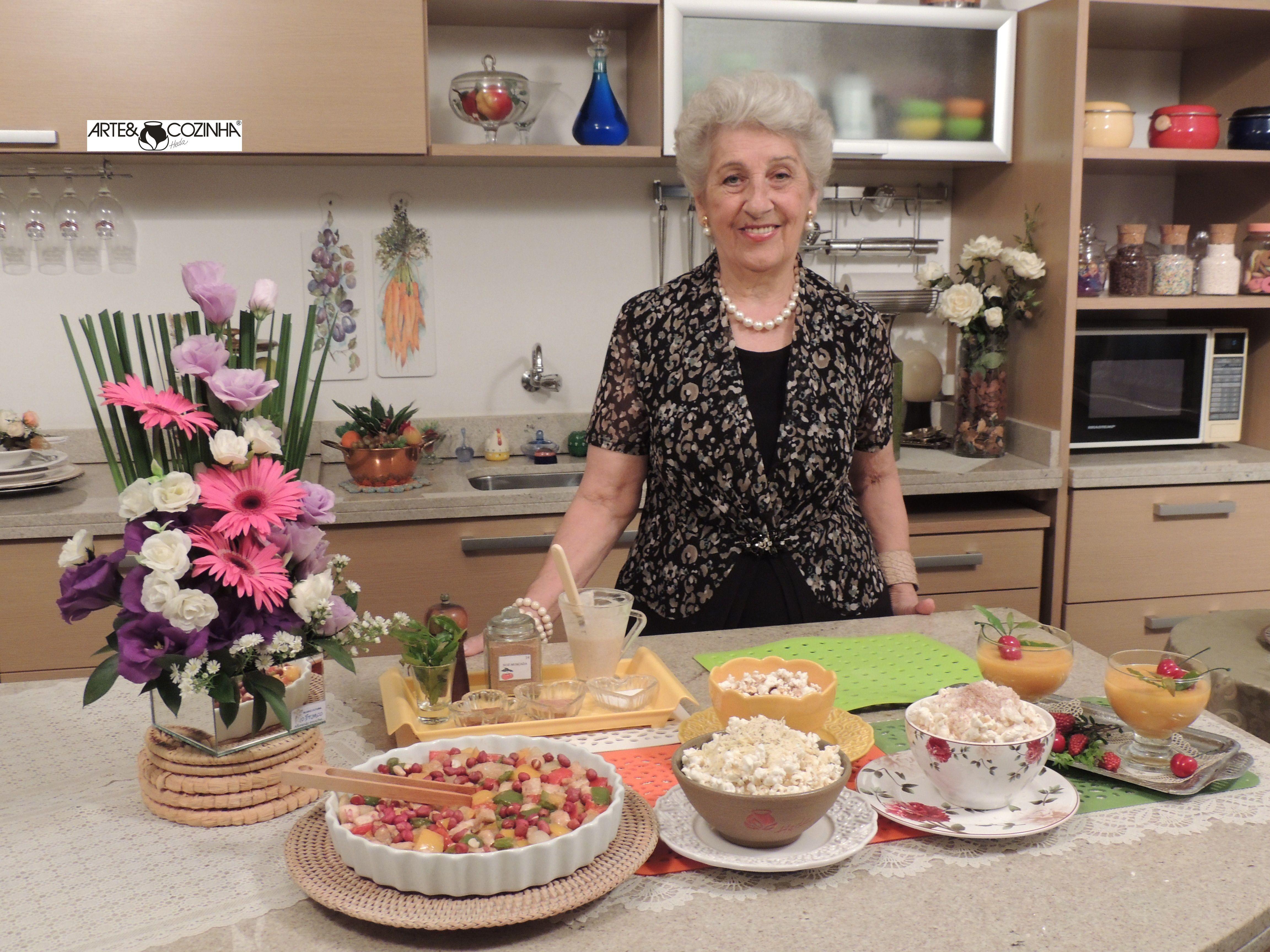 Heda Seffrin apresentando receitas criativas no seu Programa de TV Arte & Cozinha. Fotografia:Simone Seffrin