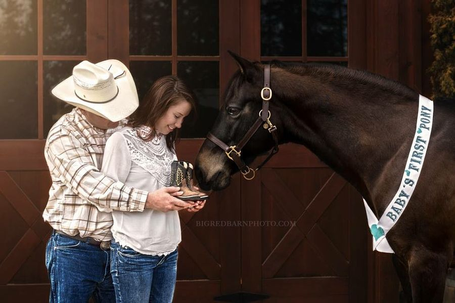 A country style pregnancy announcement by Big Red Barn Photography - Photo 153026603 - 500px Bigredbarnphoto.com