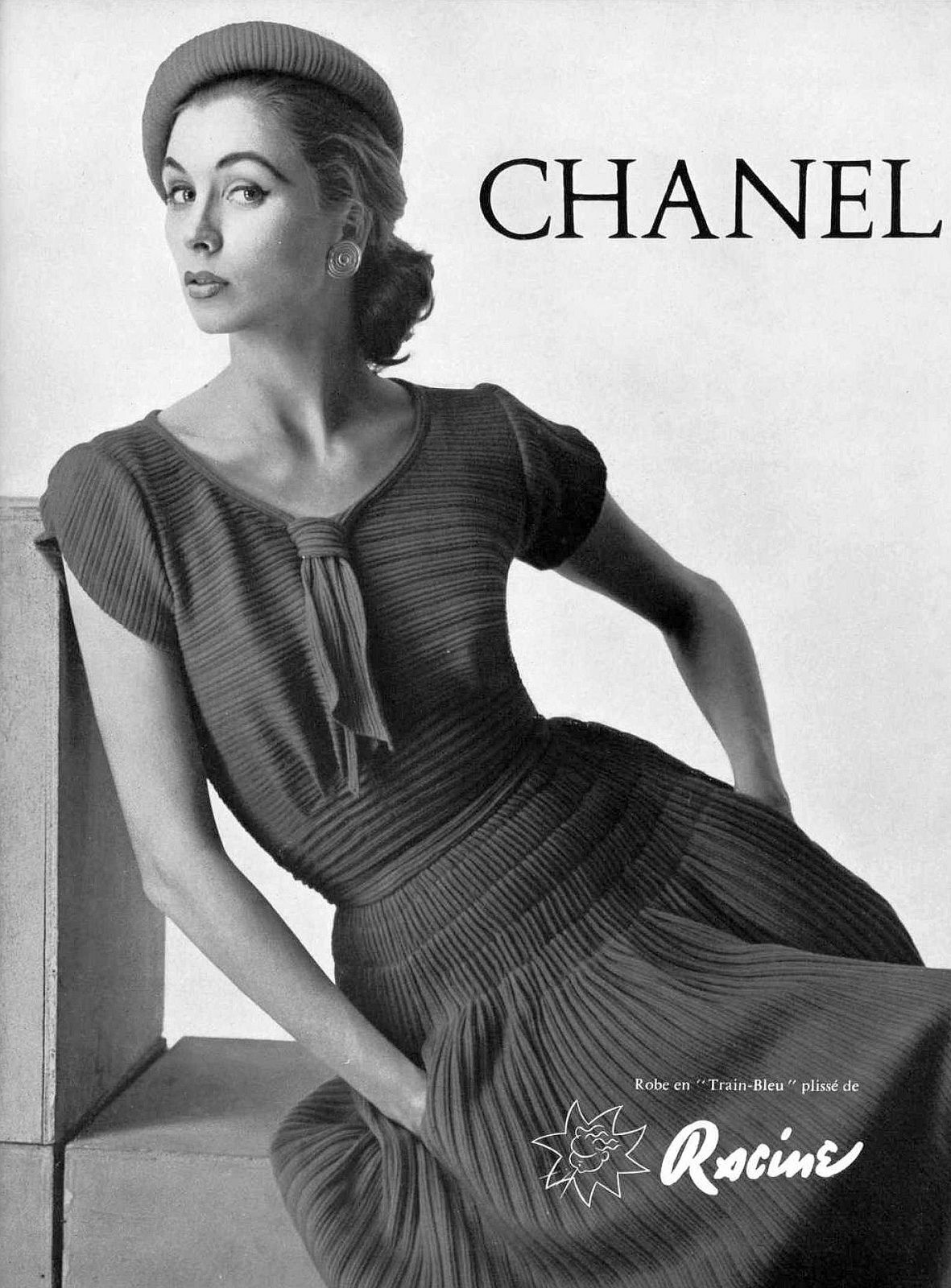 Suzy Parker in pleated jersey dress by Chanel be5e80b7bd7