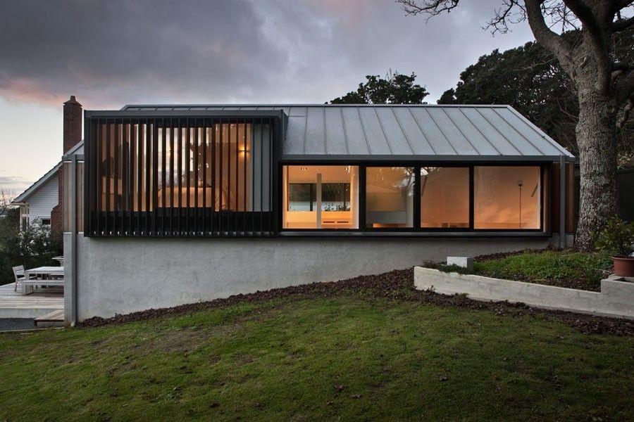 architektenhaus am hang mit lichtgalerie architektur pinterest haus architektur und. Black Bedroom Furniture Sets. Home Design Ideas