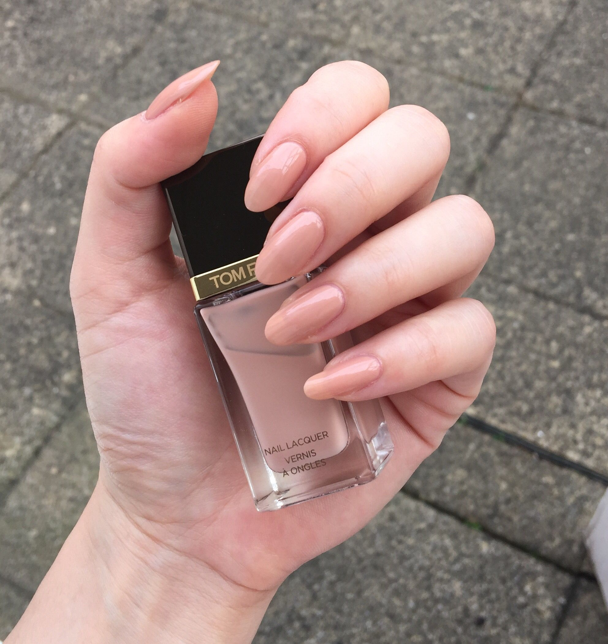 tom ford toasted sugar. oval nails
