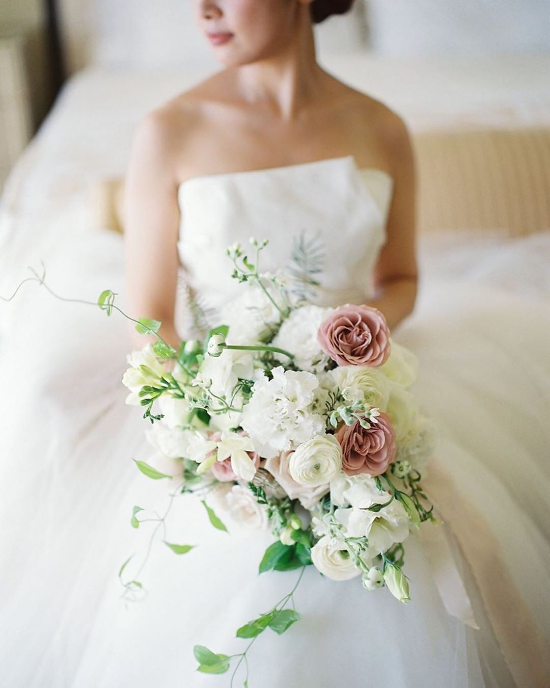 Pin By Rebecca Chen On Flowers In 2020 Bridal Bouquet