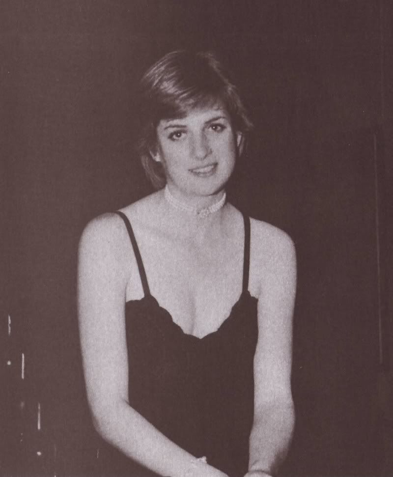 Diana in a low-cut ball gown before a dance at Althorp 1980.