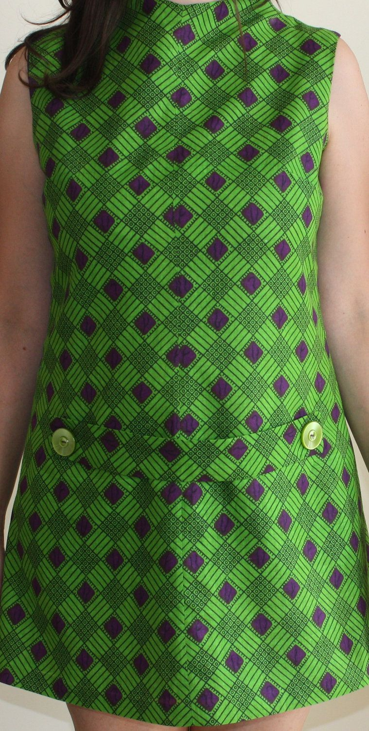 classic kelly green - this MUST be vintage 1960s