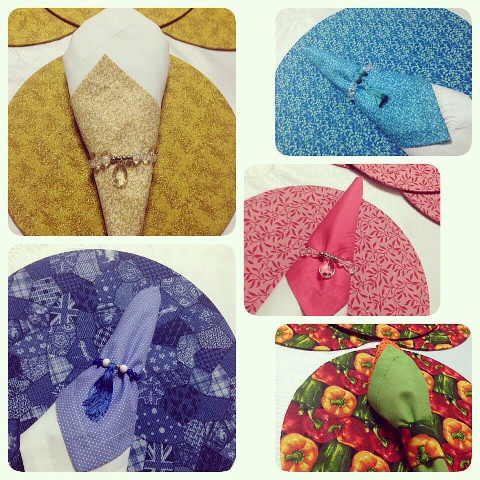 Sousplat em tecido e porta-guardanapos by Thais Oliveira #sousplat #tecido #artesanal #trabalhomanual #decor #mesaposta #festa