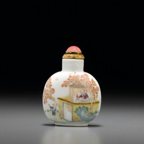 An enameled porcelain snuff bottle Jingdezhen kilns, Daoguang period, 1821-1850