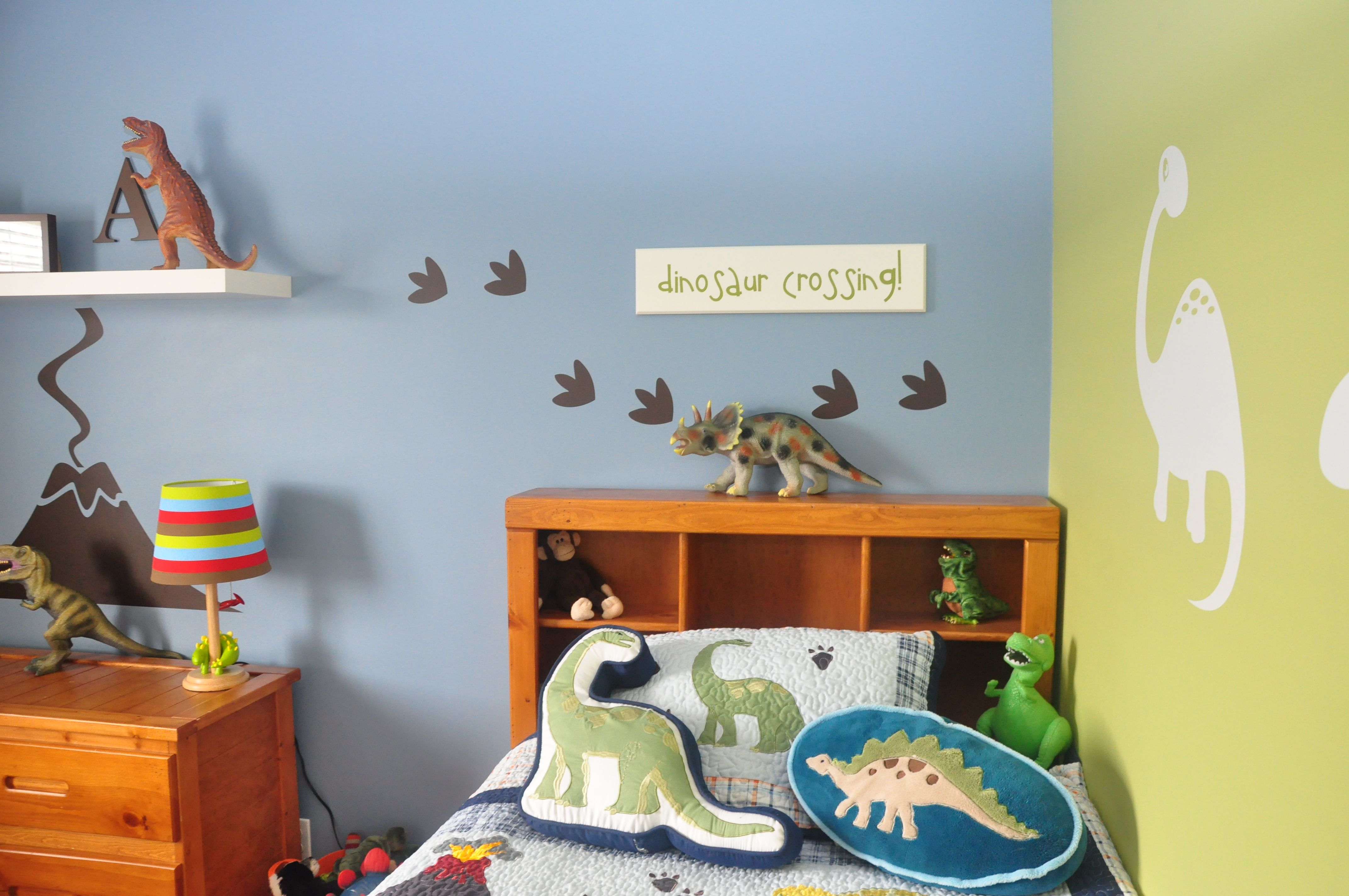 Dinosaur Boy S Room Decorating Ideas And Designs By Homeworks Etc