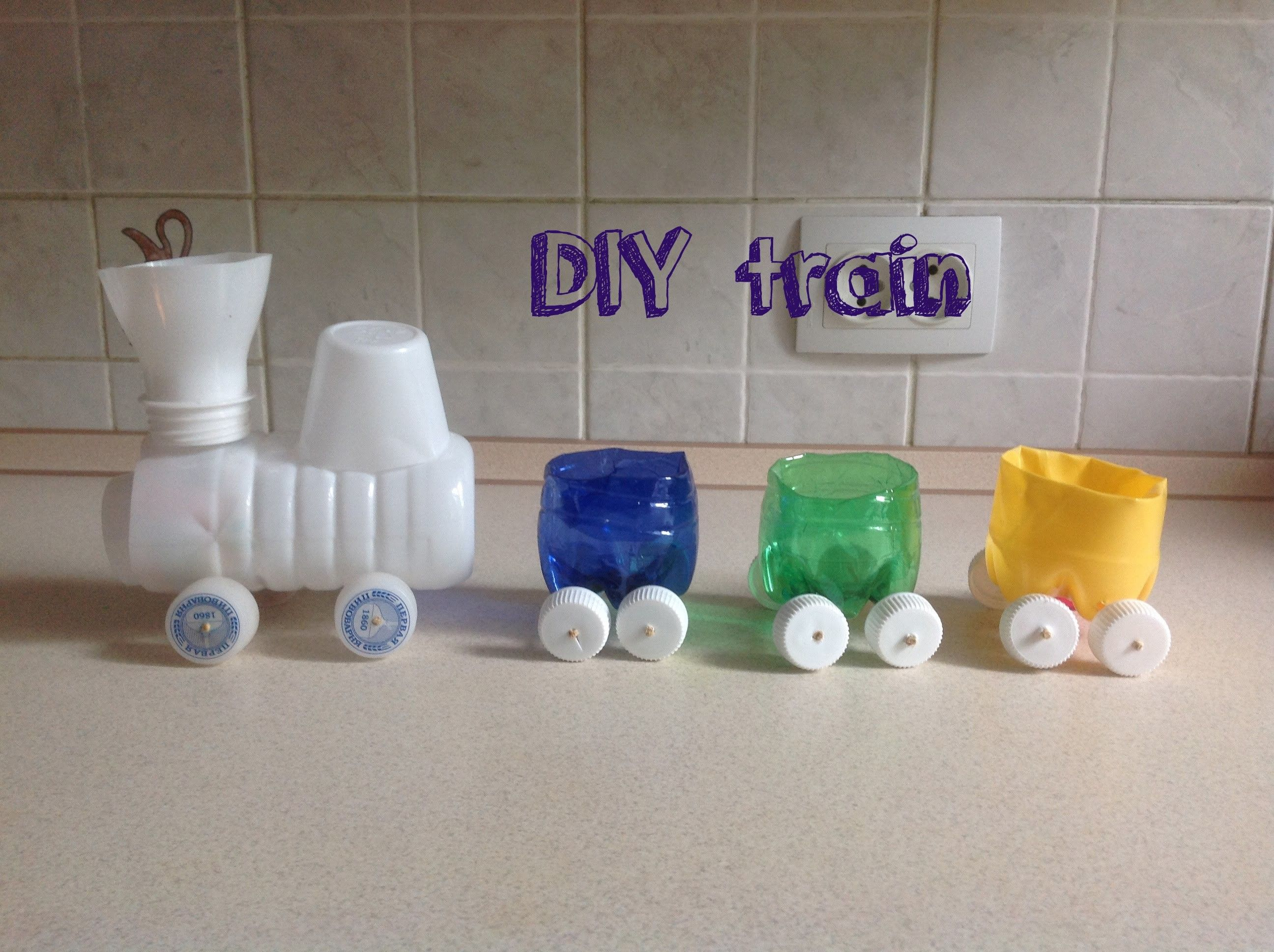 Train diy plastic bottles crafts for kids plastic for Diy plastic bottle