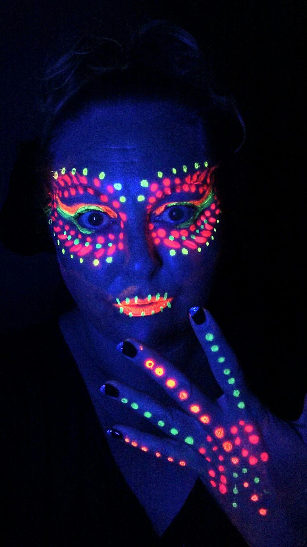 Blacklight makeup idea   Neon face paint, Uv makeup