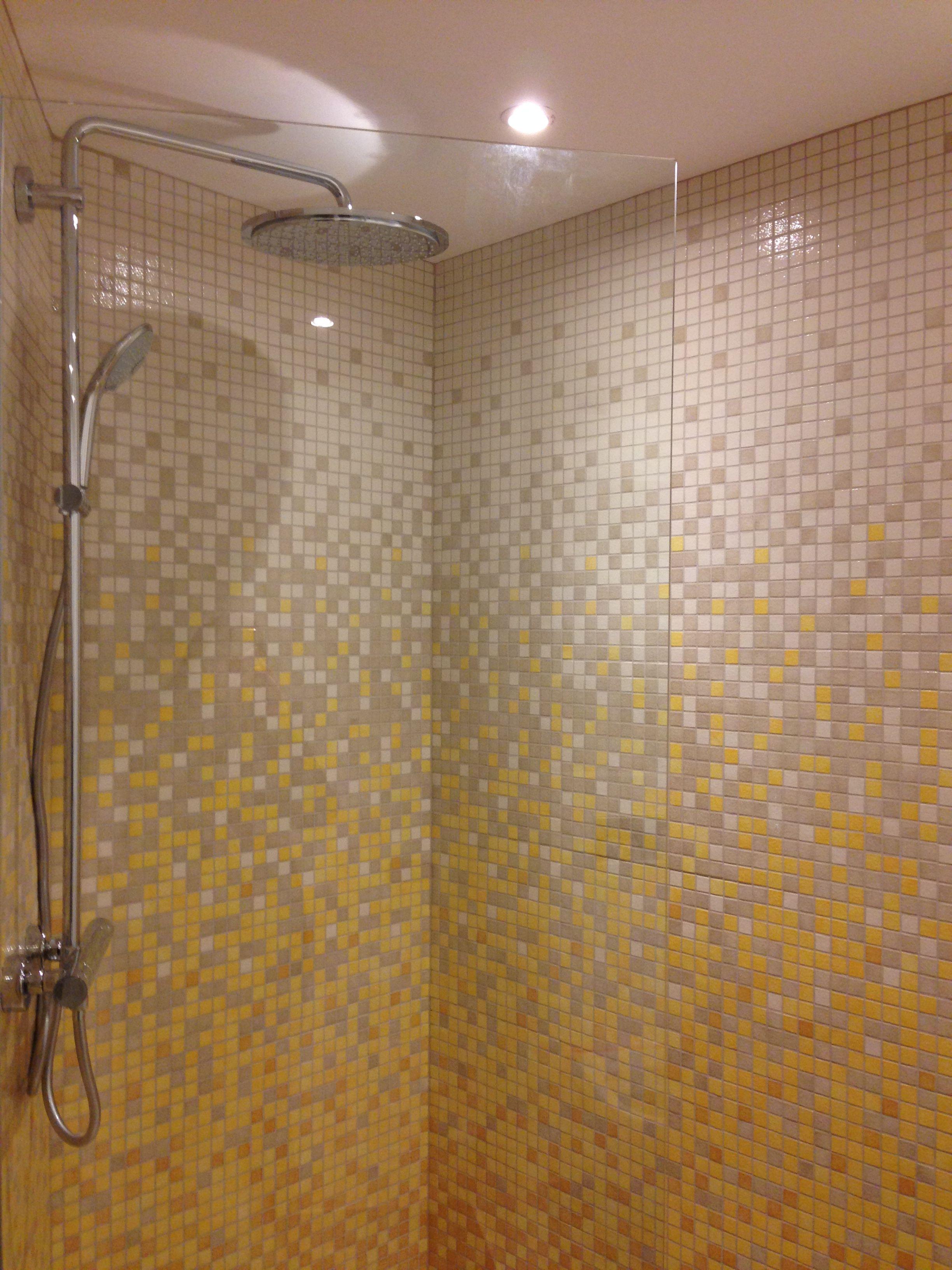 Douche réalisée en émaux de Briare  Salle de bain, Douche, Emaux