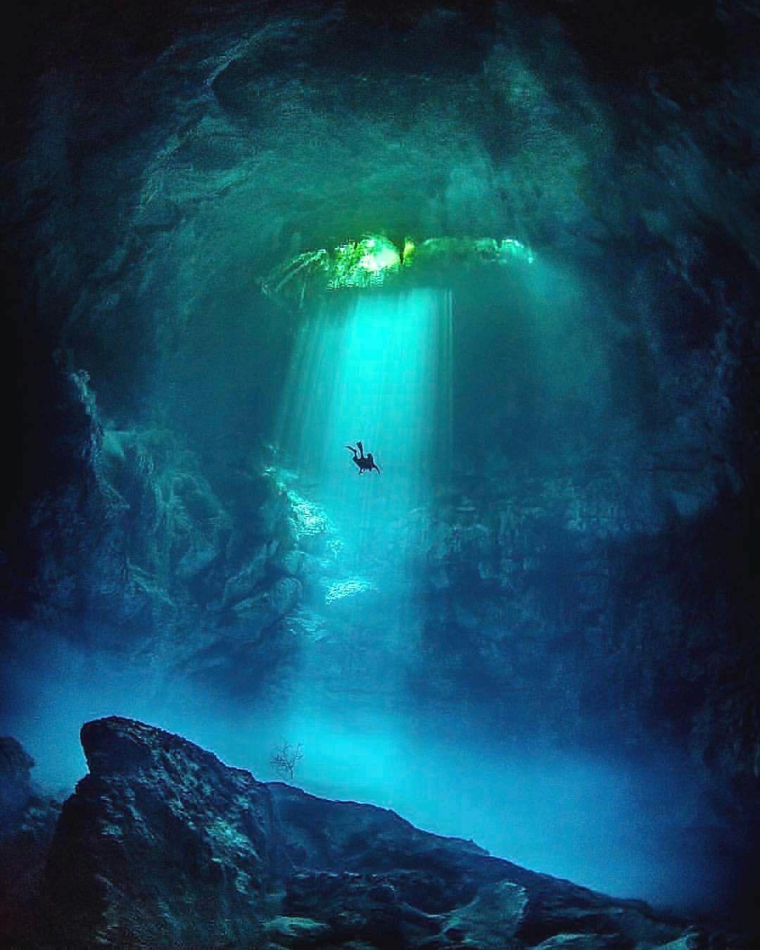 Beautiful Places Underwater: Cenote El Pit Tulum, Mexico
