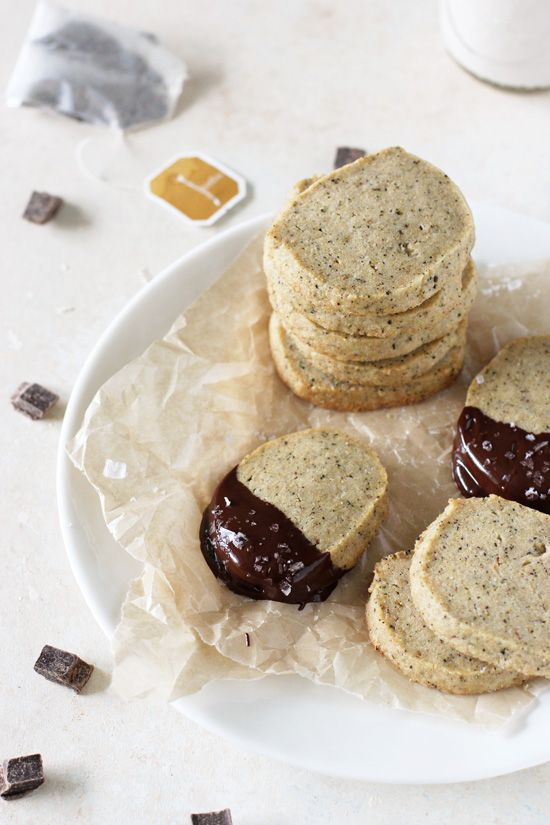 Easy, buttery whole wheat vanilla chai shortbread cookies! A simple recipe made entirely in your food processor! Filled with chai tea!