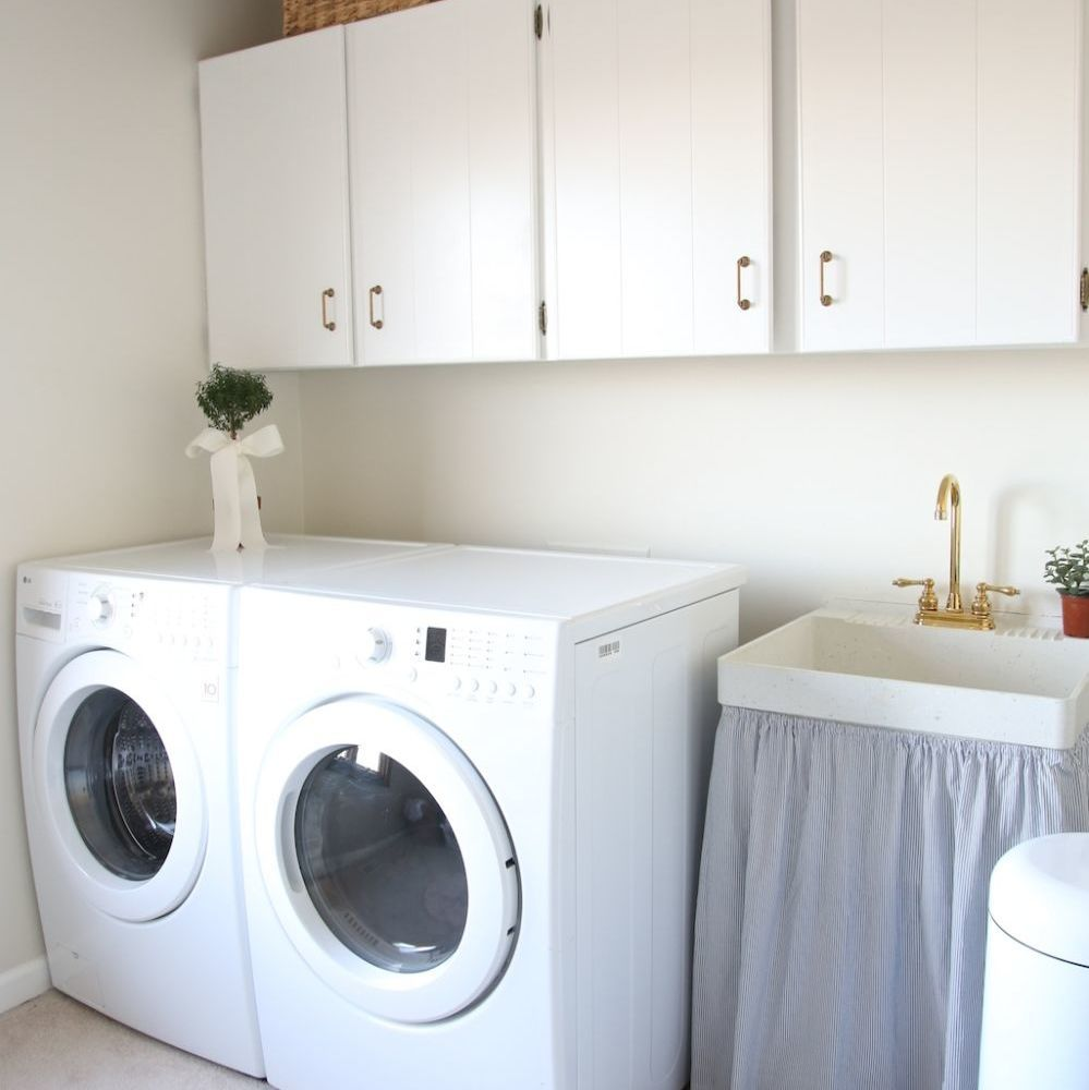 100 Inspirational Laundry Room Makeovers You Don T Want To Miss Stylish Laundry Room Laundry Room Decor Small Laundry Room Organization