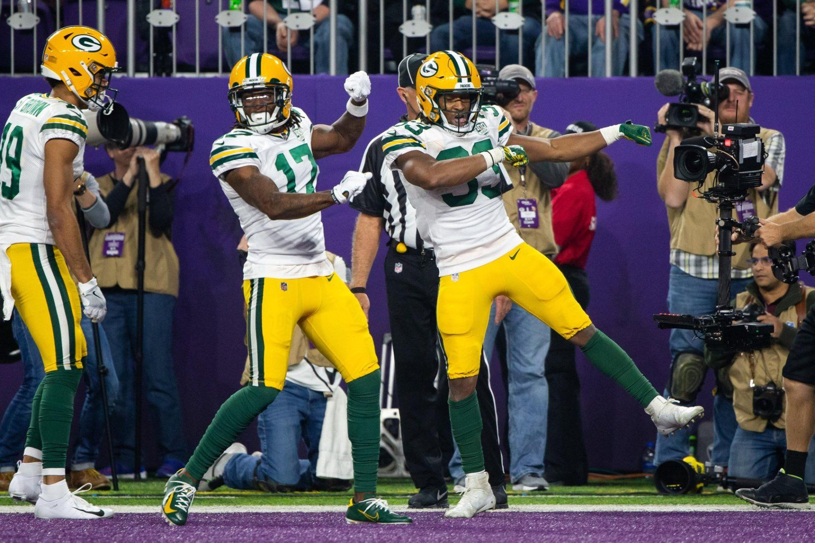 Week 2 Packers Vs Vikings Here S Your Vikings Memes With Images Packers Vs Vikings Packers Viking Meme