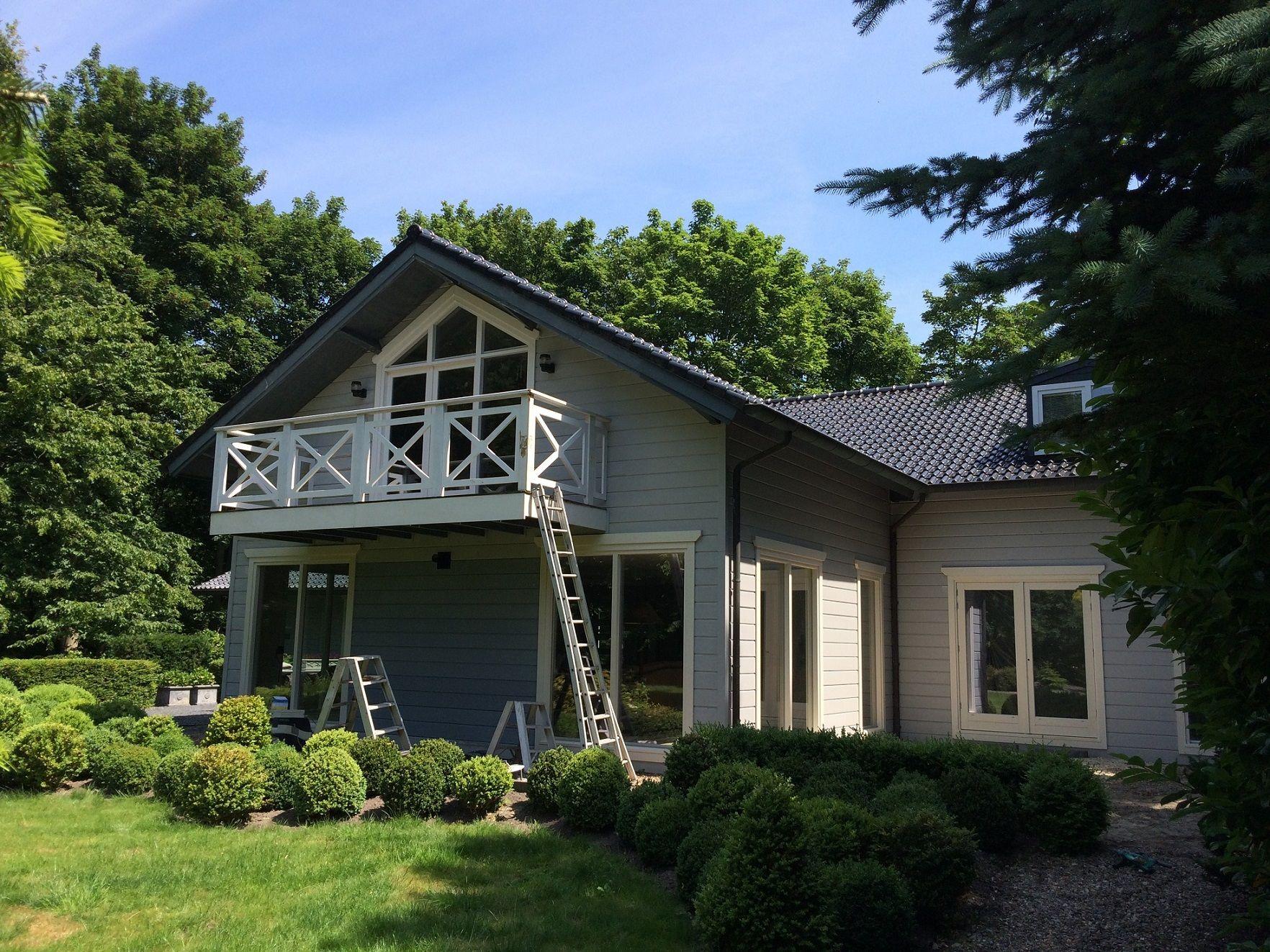 Bijzonder houten huis in noordgouwe krijgt nieuwe kleurstelling finnpaints specialist in - Meer mooie houten huizen ...