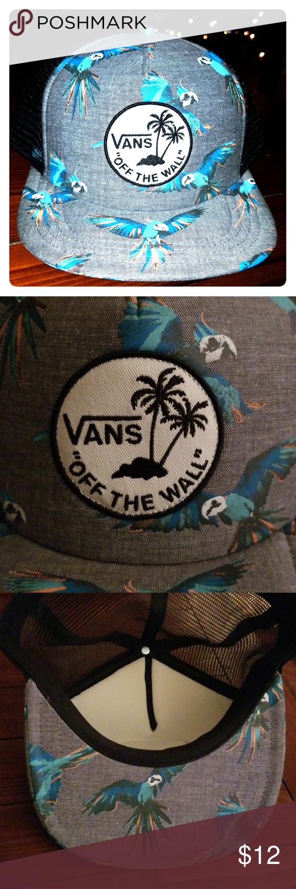 89530ec47a6 Vans Parrot Trucker Hat Pre owned Snap back Trucker Style Vans Accessories  Hats