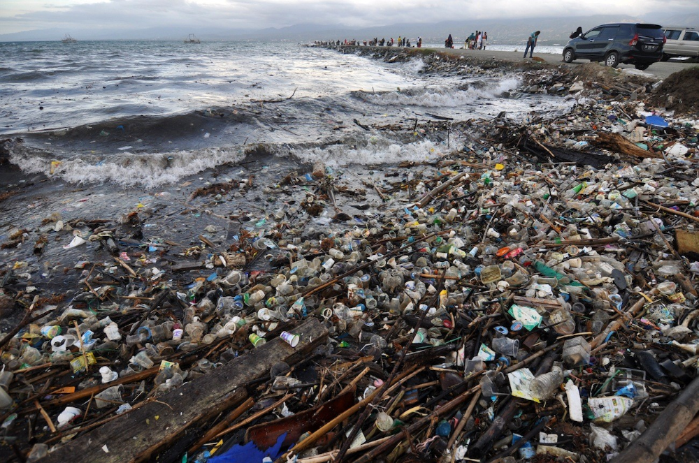 Ineffective recycling compounds Indonesia's marine waste
