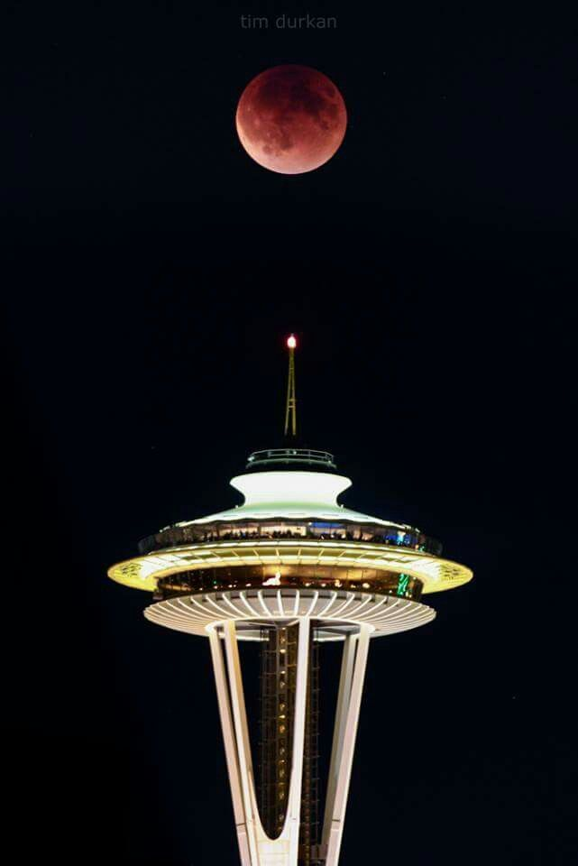 Blood Red Moon Over Seattle Space Needle We 3 Seattle