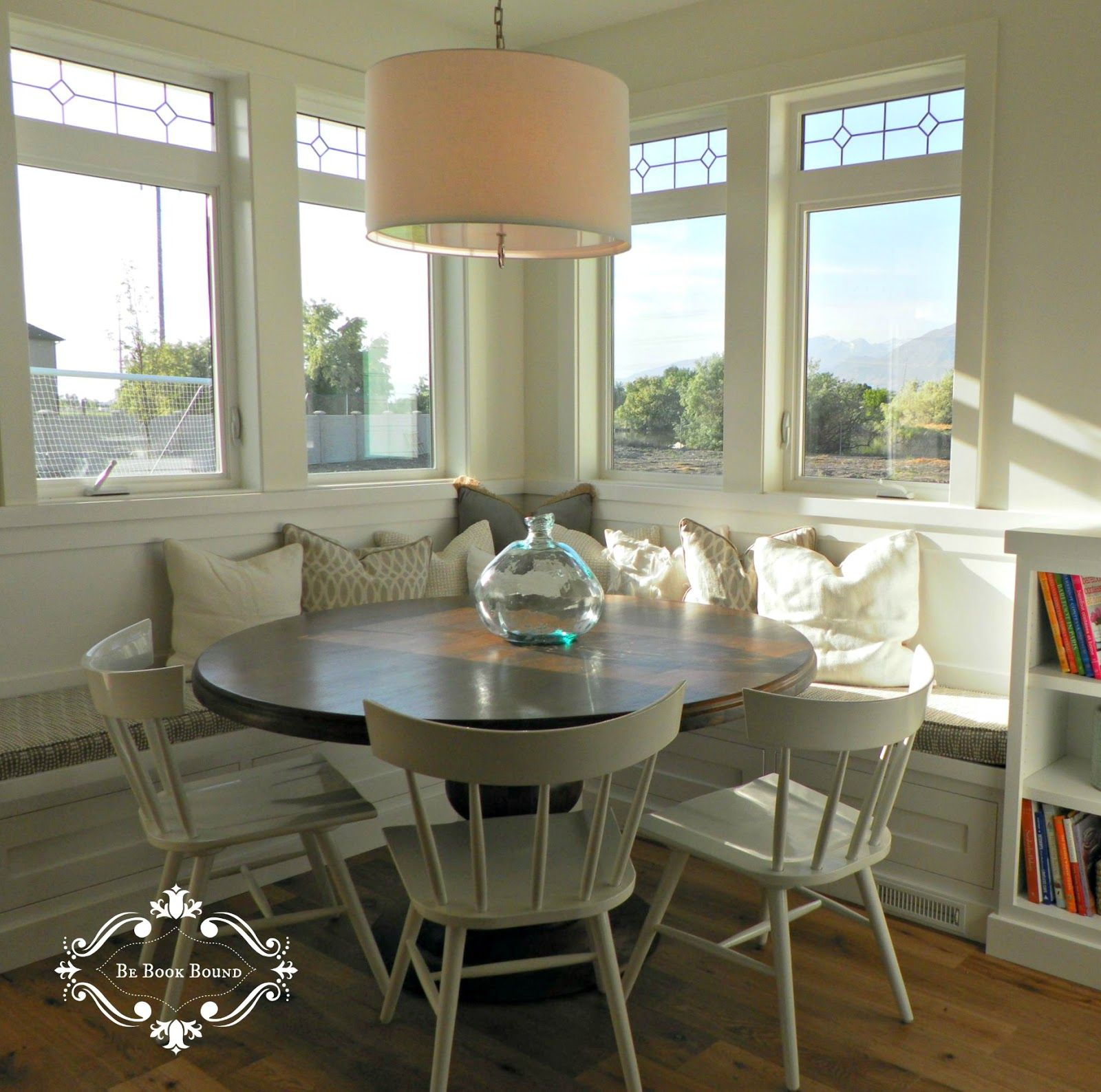 Small Corner Booth Kitchen Table and Seats Inspiration — Kitchen