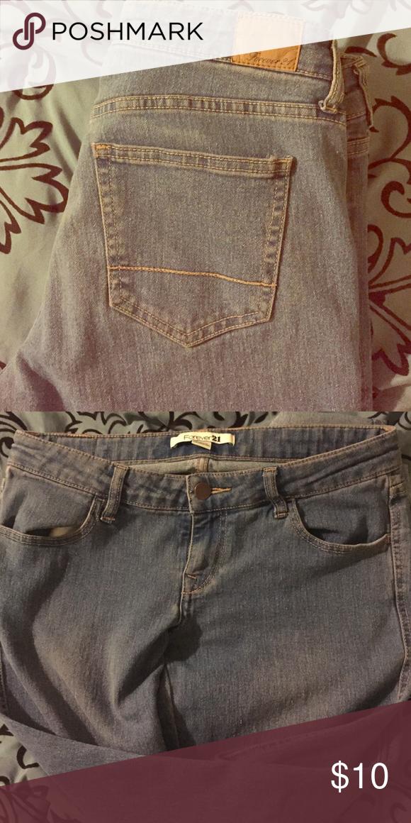 Light Wash Jeans Straight jeans. Light blue wash. Forever 21 Jeans Skinny