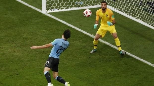 https://ift.tt/2Kx5Wwr https://ift.tt/2KAsO1w Two goals  one in each half from Edinson Cavani  gave Uruguay a 2-1 win over Portugal. Even though the Uruguayans conceded for the first time in the 2018 World Cup they march to the quarterfinal against France.  This could be the end of Cristiano Ronaldo who at 33 must know he can not get his hands on the biggest football prize anymore and he still failed to score in the second round of the FIFA World Cup. Uruguay were ahead as early as the seventh m