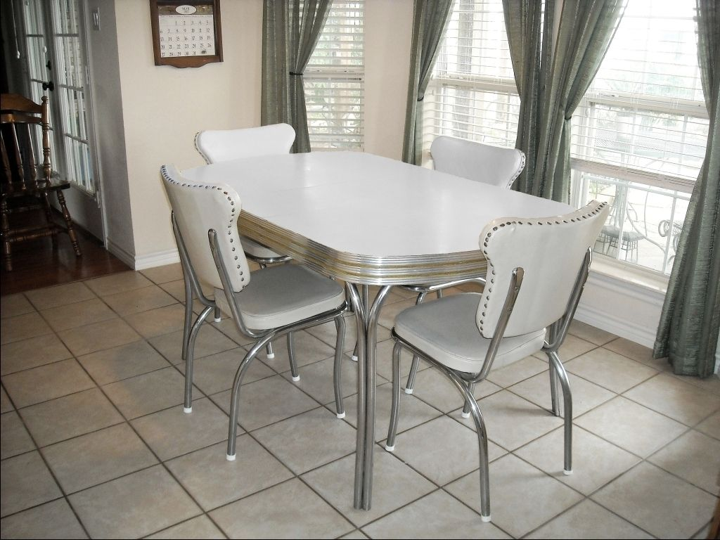 Vintage Retro 1950s White Kitchen Or Dining Room Table With 4 Chairs And Leaf