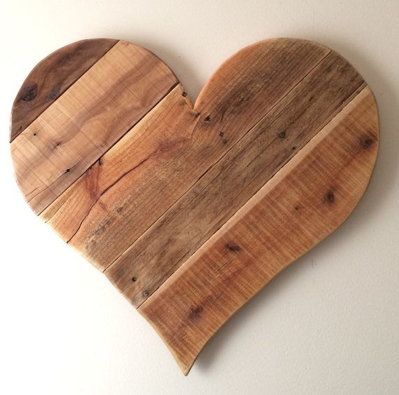 Rustic Wood Heart Home Decor Large 27 Reclaimed Pallet Etsy In 2020 Wood Hearts Wood Pallets Wood Pallet Wall