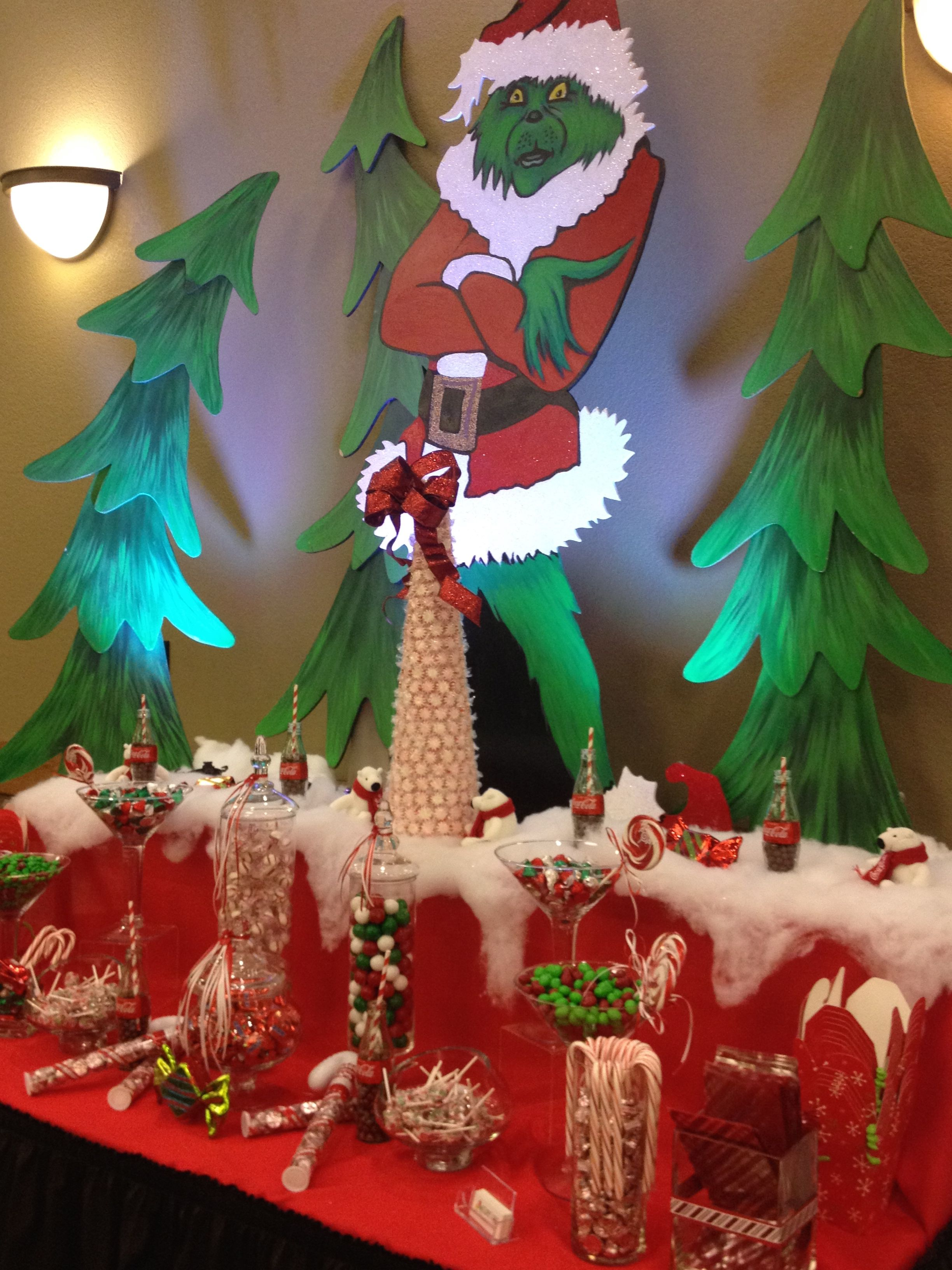 Admirable The Grinch Who Stole Christmas Themed Candy Buffet By Sweet Download Free Architecture Designs Oxytwazosbritishbridgeorg