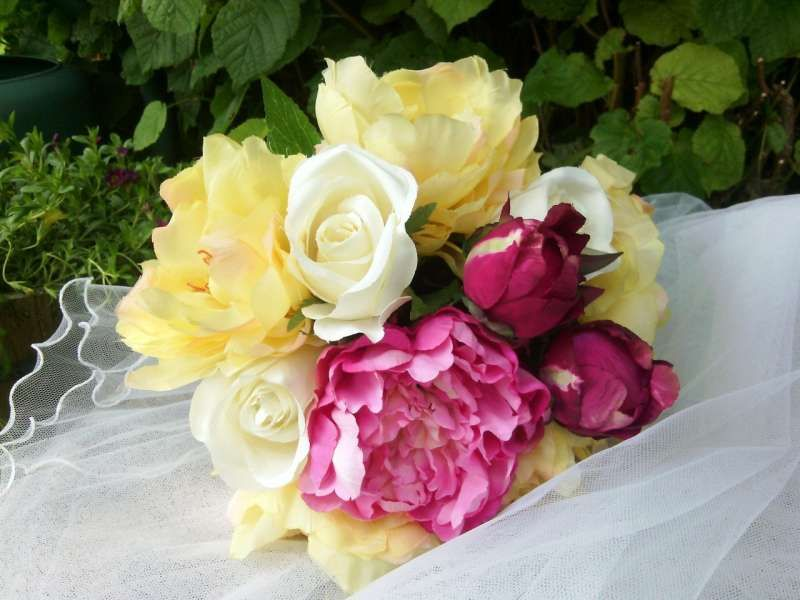 http://www.artifleurs-fleurs-artificielles.com/boutique/bouquets/