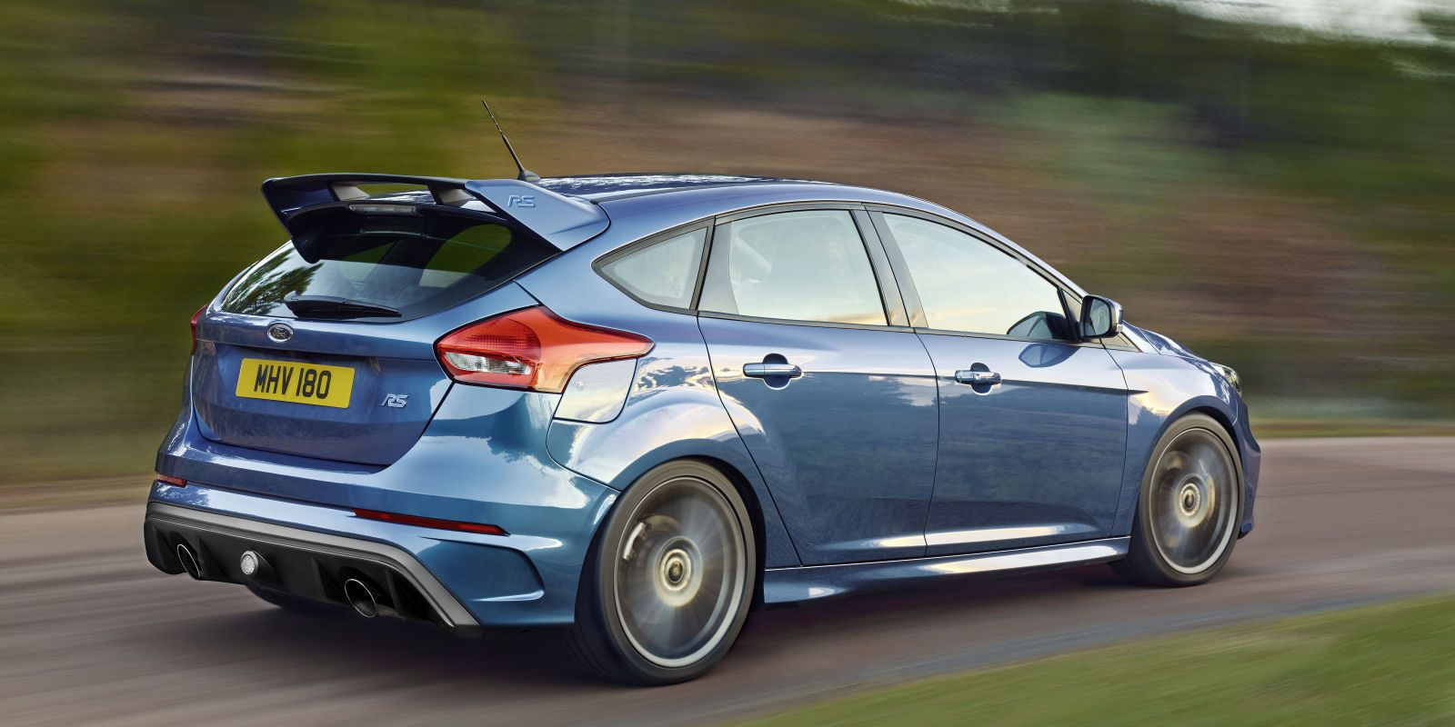 2016 Ford Focus Rs Hits 60 In Just 4 7 Seconds Starts At 36 605 Ford Focus Focus Rs Ford Focus 4