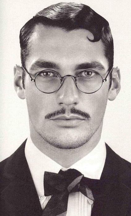 visage / personnage / homme / moustache / coiffure