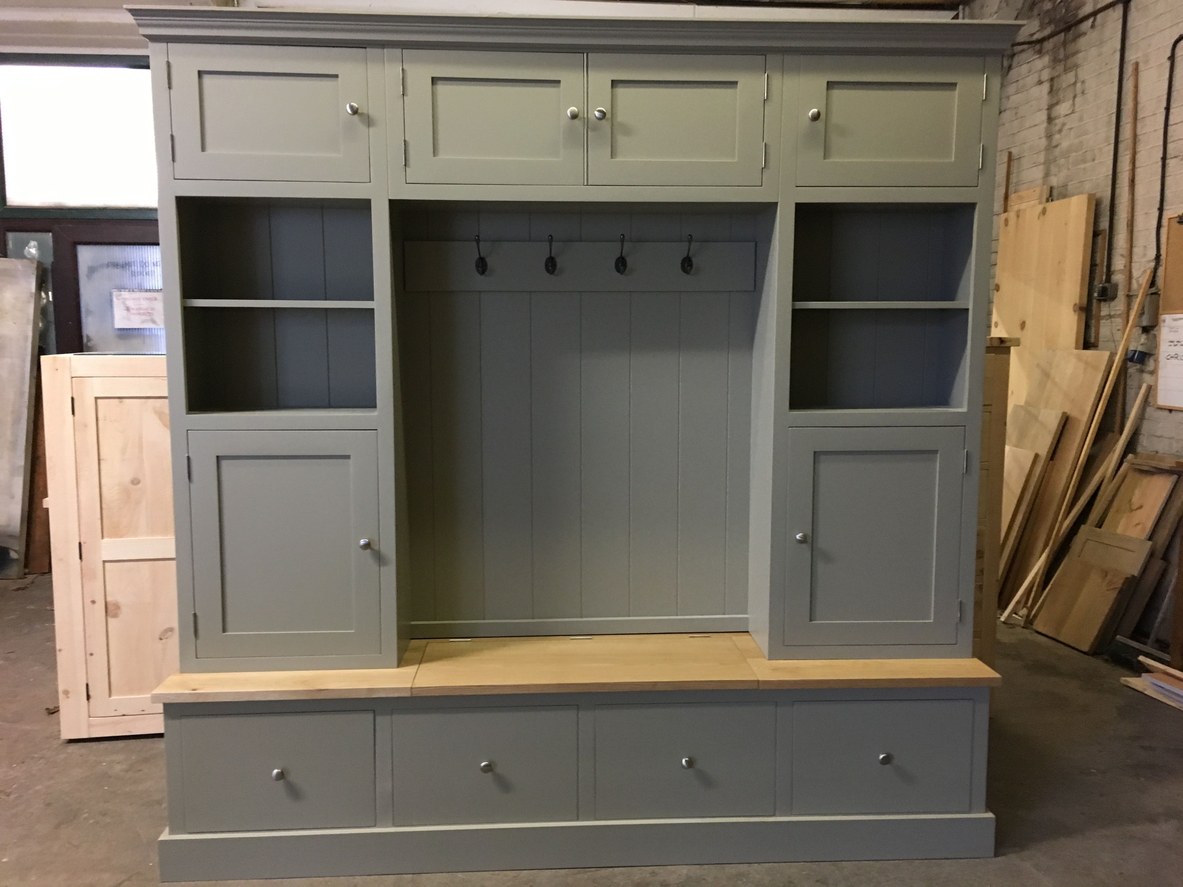 Beautiful Hall storage unit with a lift up seat in oak CAN BE