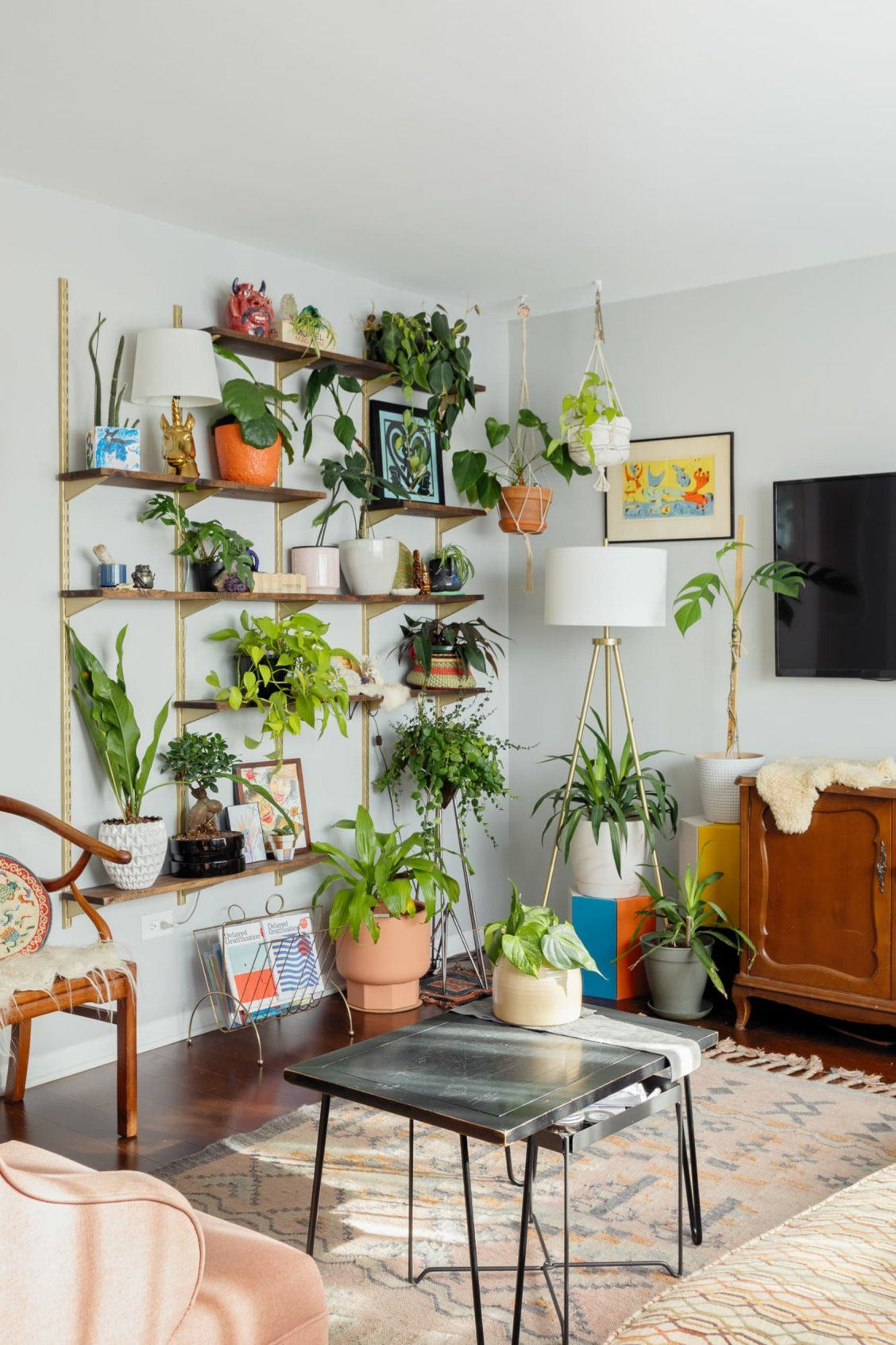 A Colorful Chicago Home Is An Eclectic Jungle Thanks T