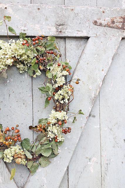 Berry and hydrangea wreath from VIBEKE DESIGN: En sånn som jeg har drømt om....