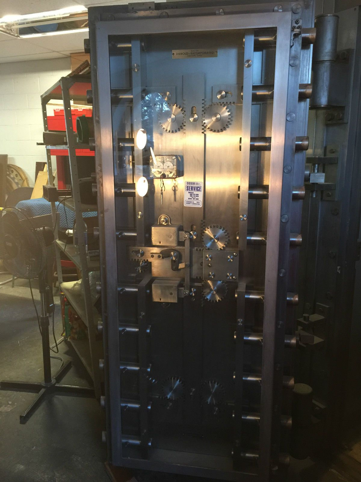 Ahern safe bank vault door built by diebold~free freight